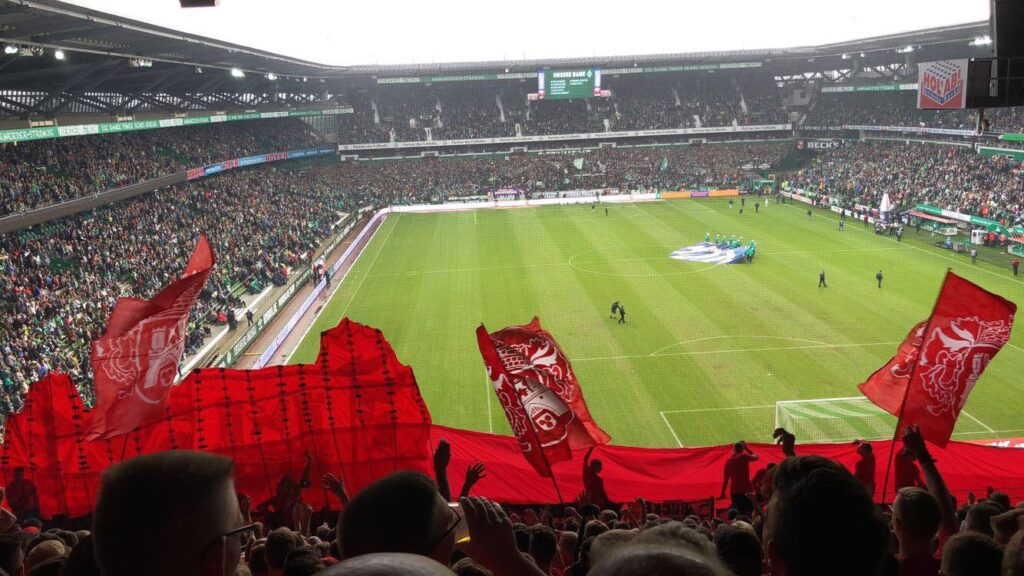 Fans im Weserstadion